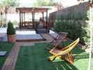 Jardín en césped artificial